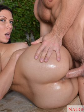 Rachel starr fucking in the outdoors with her bubble butt in ass masterpiece